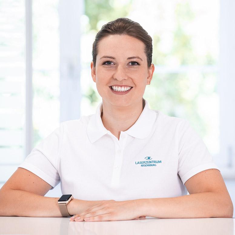Corina Nitsch Augenoptikmeisterin